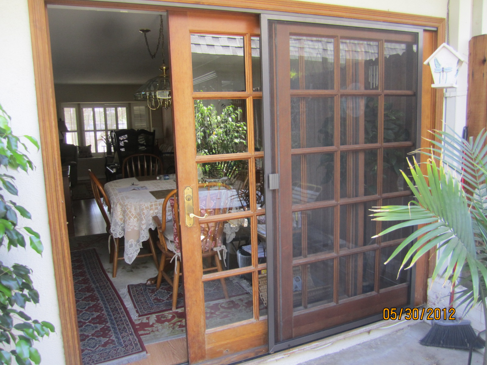 Sliding patio screen door in sherman oaks screen doors for Sliding patio windows