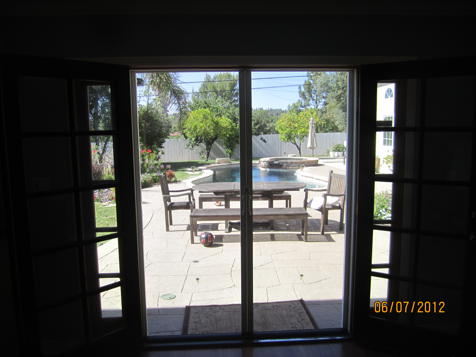 Interior view double set of retractable screen doors in for Interior retractable screen door