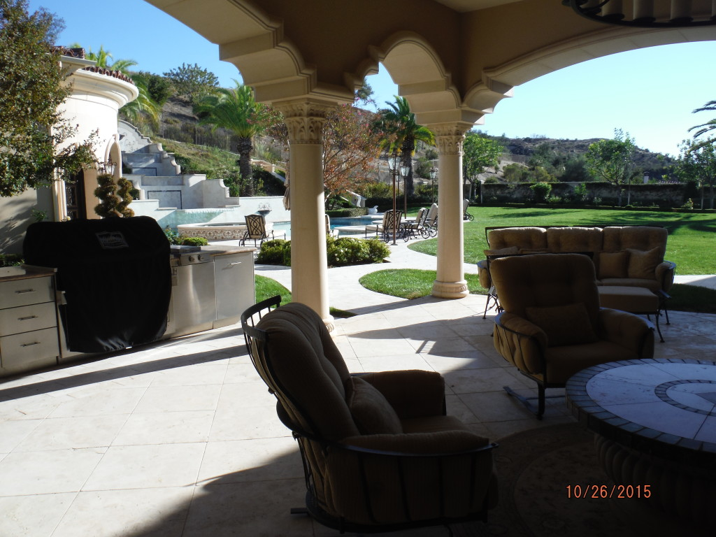 Retractable Screen Doors in Agoura Hills